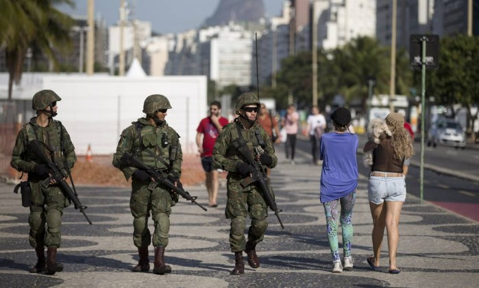 Troops patrol Rio's tourist hotspot Ipanema