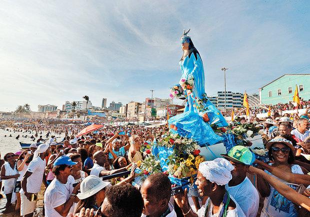 One of Candomblé's most important festivals, Festa de Iemanjá, takes place on a beach in the city