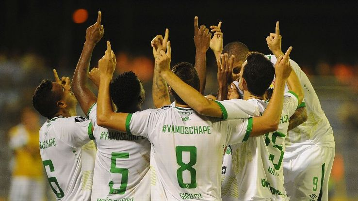 The team united after their victory over Joinville – Source: ESPN FC